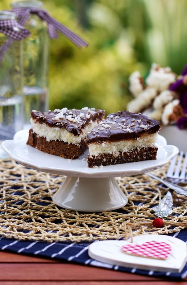 Úžasná fit torta ČOKOBA. Čokoládovo-kokosovo-banánová.