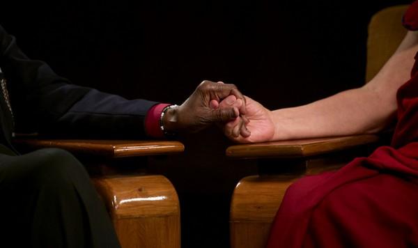 Jeho Svätosť dalajlama a arcibiskup Desmond Tutu.