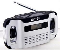 darčeky pre mužov - solárne rádio