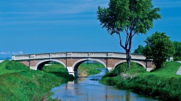 7 zaujímavých miest - secesný most v Kráľovej pri Senci.