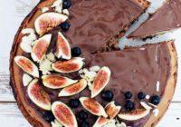 Ľahký čokoládový cheesecake so sušenými figami