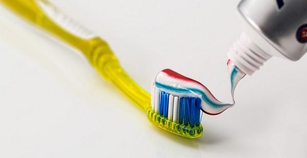 čisté zuby znamená menej chodôb