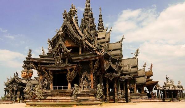 Svätyňa pravdy. Pattaya