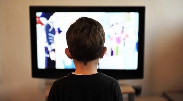 priveľa televízie škodí