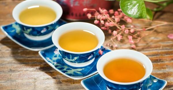 chudnúce nápoje čaj