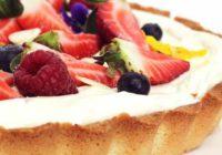 Vanilková torta skrémom zbielej čokolády
