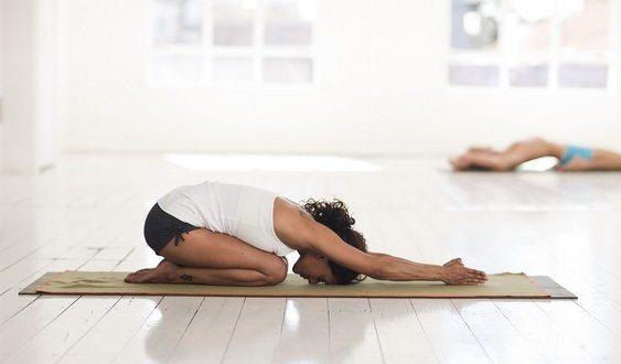 Urobte si doma joga cviky na pevný a zdravý chrbát