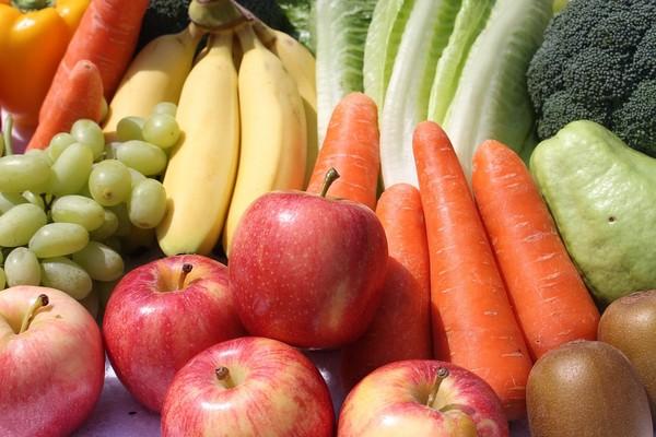 ako si očistiť ovocie a zeleninu