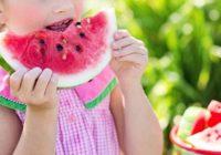 Ako nakrájať melón a vykôstkovať čerešne?