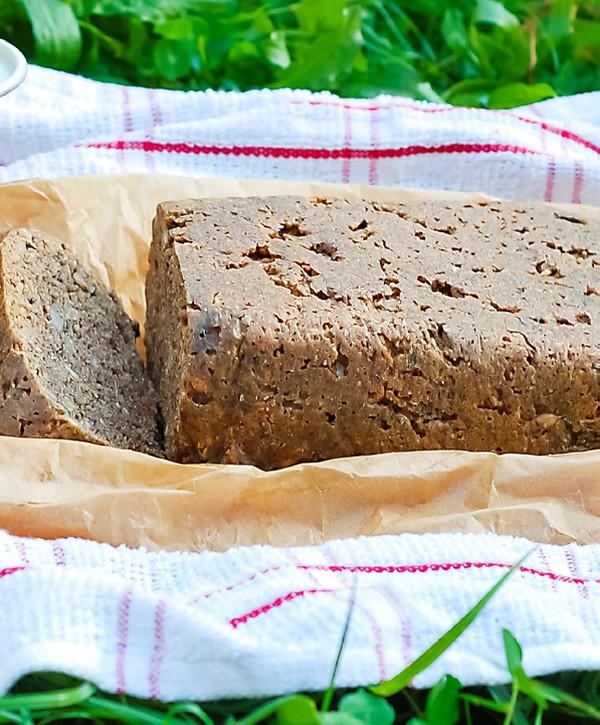 Orieškový chlebík bez múky