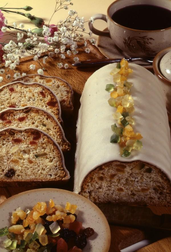 Chlebíček s bielou polevou