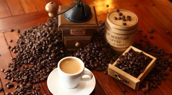 kvalitná dokonalá káva