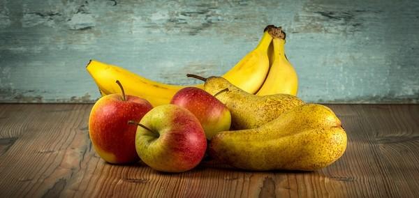 jablká a hrušky ovocie