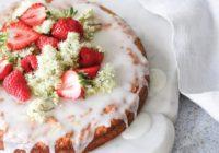 Mandľová torta s citrónovo-bazovou polevou