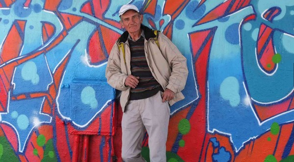 Bývalý milionár Václav, dnes ako bezdomovec-sprievodca.  Bezdomovci
