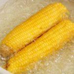 Varená kukurica. Zdravá pochúťka alebo kalorická bomba?