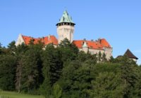 Od hradu khradu. Smolenický zámok aOstrý Kameň