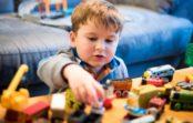 Ako naučiť deti zbaviť sa nepotrebných hračiek avecí?