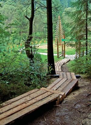 lesnícky skanzen chodník