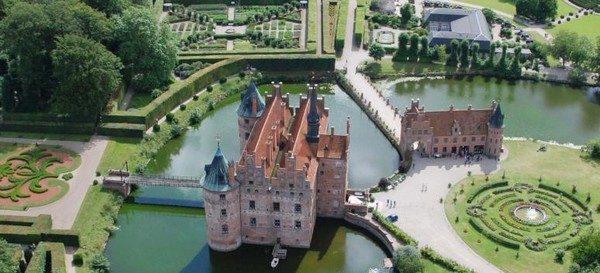 hrad egeskov dánsko