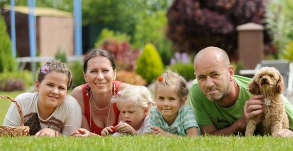 Miriam Latečková s rodinou