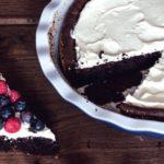 Čokoládová torta smascarpone a ovocím
