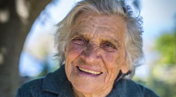 Ikaria stará žena čo je za dlhovekosťou?