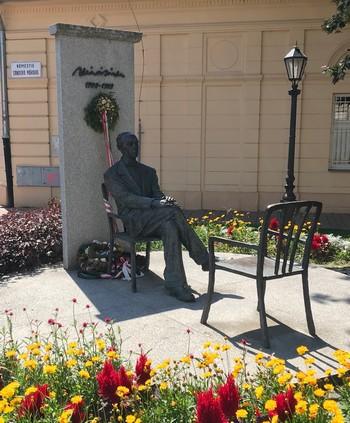 pamätník Sándor Márai