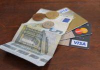 Peniaze na dovolenke. Hotovosť alebo platobné karty?