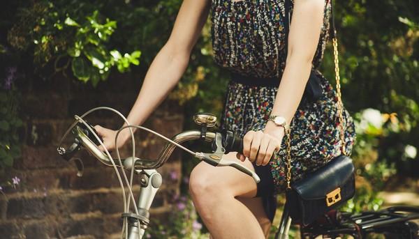 šaty bicykel