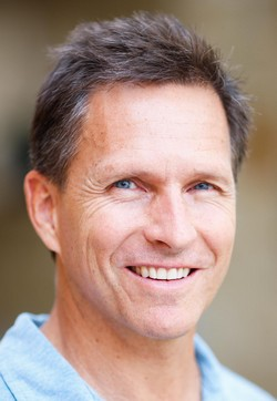 John Burke, autor knihy Predstavte si nebo