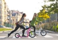 Nová móda: kolobežka pre dospelých. Je dobrá pre zdravie?