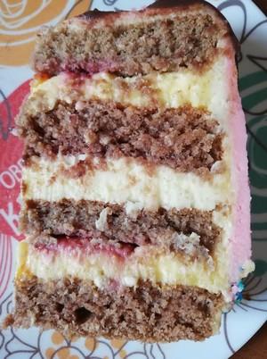 špaldová torta odkrojený kúsok
