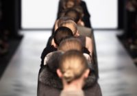 Tento rok trendy udávate vy. Viete, ako sa obliecť na módnu prehliadku?