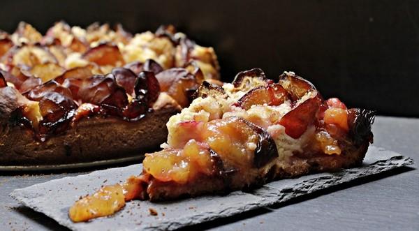 recepty zo sliviek: hrnčeková koláč