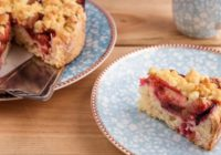 3 recepty zo sliviek. Hrnčekový koláč, makovo-slivkové rezy a slivková nutela