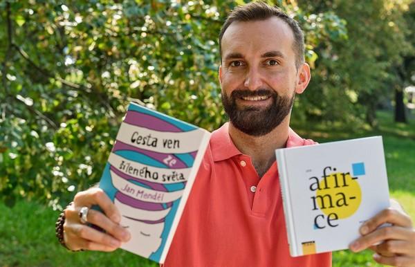 Jan Menděl a jeho dve knihy