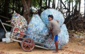 Ako nakupovať bez plastov? Čo do akej tašky?