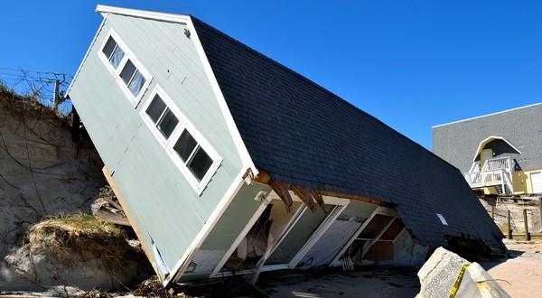 zborený dom tornádo hurikán