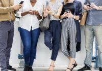 Naozaj nám sledovanie priateľov na Facebooku škodí aubližuje?