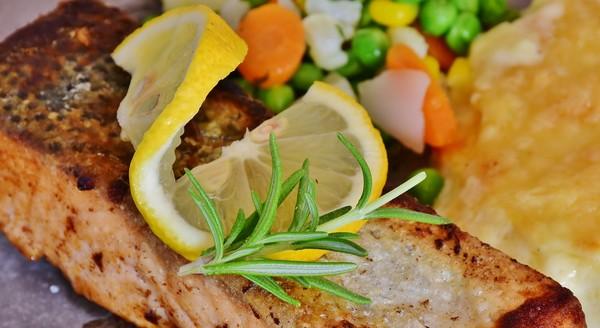 ryba na tanieri