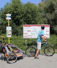 k schloss hofu na bicykli