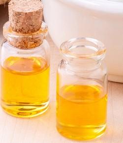 olej na bolesti uší