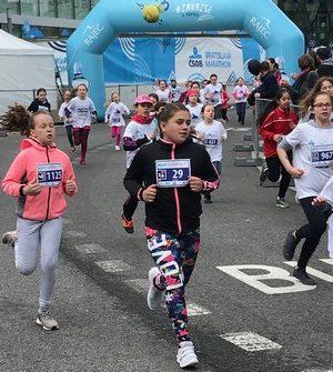 deti behajú pre radosť