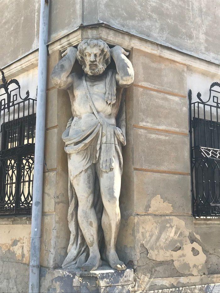 socha Corgoň Nitra