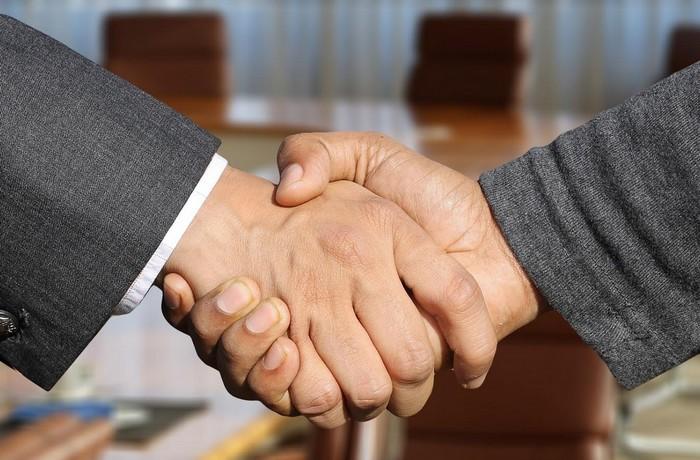 podanie rúk ústna dohoda