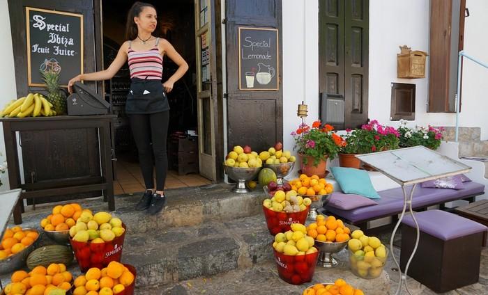 Ibiza - pomaranče typické ovocie pre Španielsko