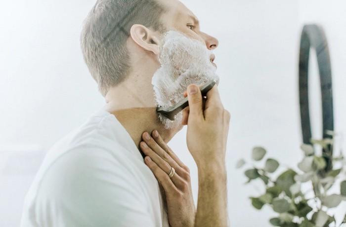 ako netradične využiť penu na holenie?