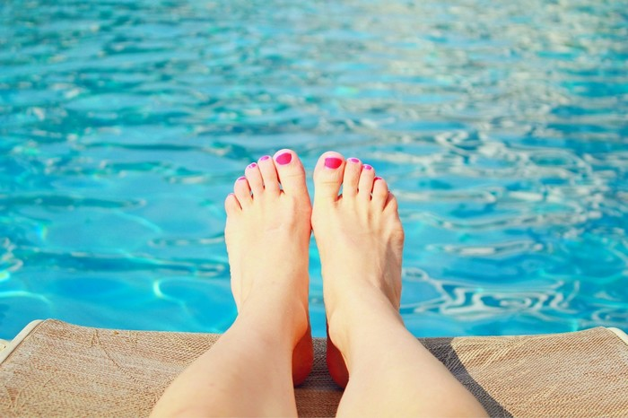 opuchnuté nohy nad vodou