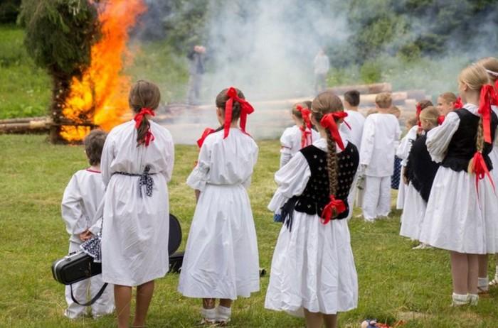 Svätojánska noc tradície a mágia